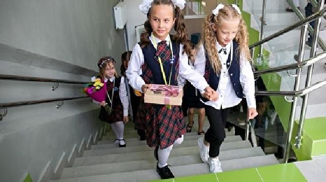В Саратовской области и Якутске все школы переведены на дистант из-за COVID-19
