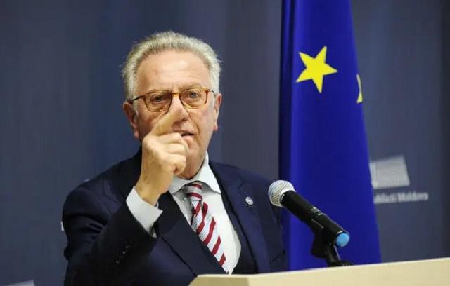 Глава Венецианской комиссии попросил показать текст закона об олигархах в последней редакции