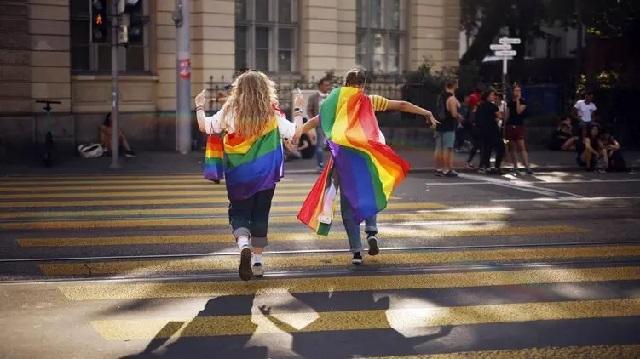 В Швейцарии проходит референдум по однополым бракам
