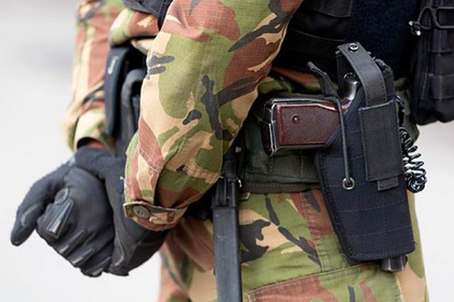 ФСБ задержала готовивших теракт против силовиков пятерых неонацистов