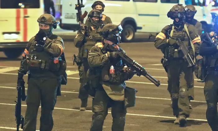 В Беларуси задержали уже 200 человек за «оскорбительные» комментарии о смерти КГБшника