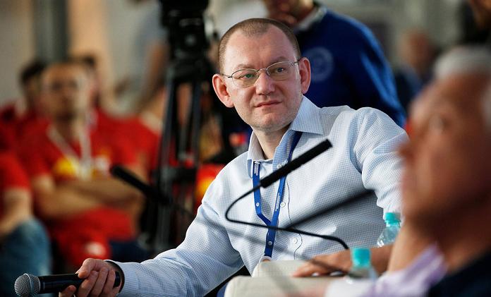 Кириенко не пустил губернатора Якутии к себе на порог