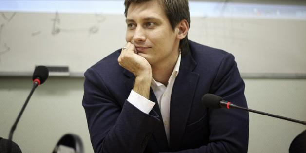 Дмитрия Гудкова заподозрили в прослушке избирателей