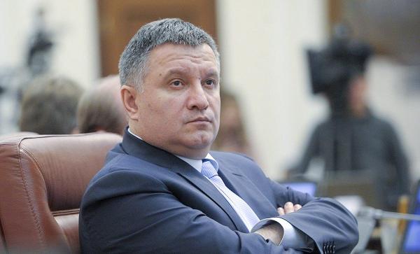 Аваков не «лох», чтобы уходить в отставку