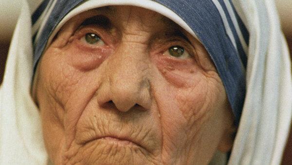 """Мать Тереза имела """"огромный счет"""" в банке Ватикана"""