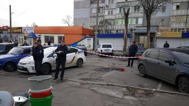В Николаеве злоумышленники ограбили ювелирный магазин и со стрельбой скрылись от полиции