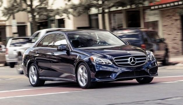 Инспектор налоговой задекларировала Mercedes-benz, драгоценности и 2 млн наличных