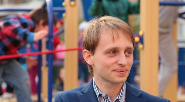 Киевский депутат хочет вернуть деньги, выпавшие из окна при обыске НАБУ
