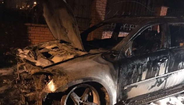Под Одессой сожгли машину жены депутата