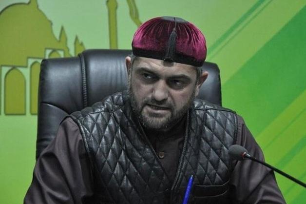 Из Mercedes помощника Рамзана Кадырова украли деньги и гаджеты на 650 тыс. рублей