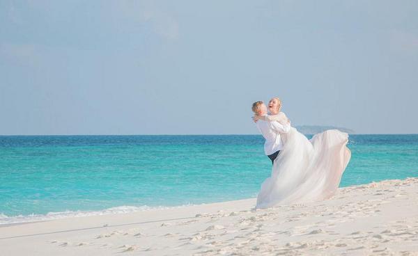 Украинский футболист похвастался шикарной свадьбой на Мальдивах