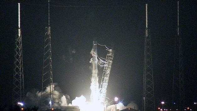 SpaceX запустила ракету-носитель Falcon 9 с секретным спутником