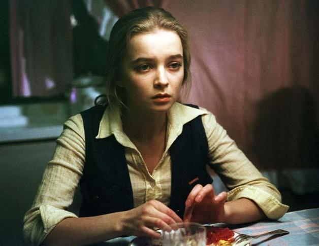 Куда пропала девочка Александра из фильма «Москва слезам не верит»