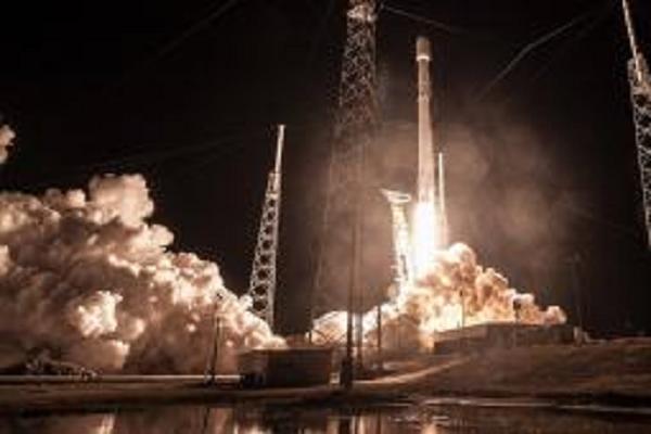"""SpaceX запустит """"вселенский"""" Wi-Fi: дата изменилась"""