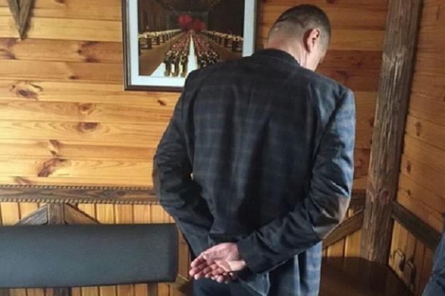 Руководителя государственной аудиторской службы задержали на взятке