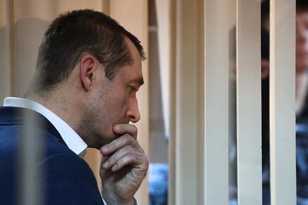 Полковник Захарченко признался в получении единственной взятки алкоголем
