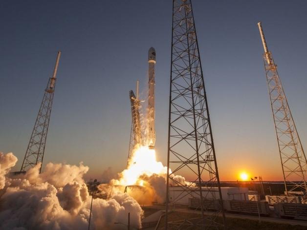 SpaceX запустила Falcon 9 с испанским спутником