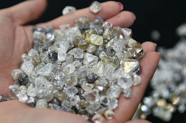 Экс-следователь ФСБ получил пять лет колонии за хищение алмазов стоимостью свыше $100 тысяч