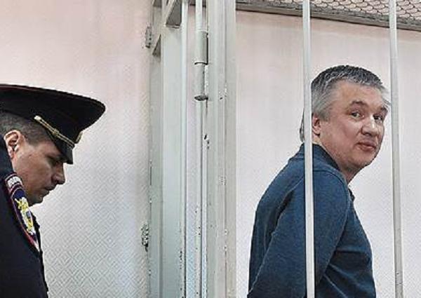 Путин и правозащитники стали мамой сенатору-киллеру