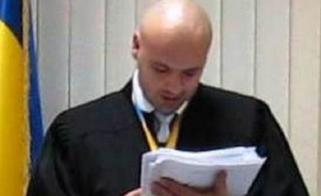 Решение по Насирову примет обокравший старика судья Александр Бобровник