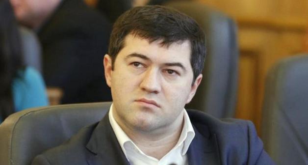 Насиров прописан в доме на Крещатике, где находится приемная Онищенко