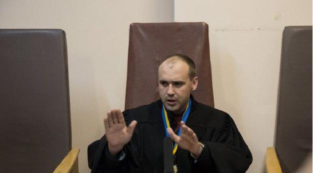 Чертополох года: Движение «Честно» собрало информацию на судью, слушающего дело Насирова