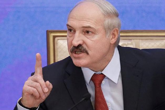Лукашенко - России: постоянно наклонять и ставить на колени Беларусь не выйдет