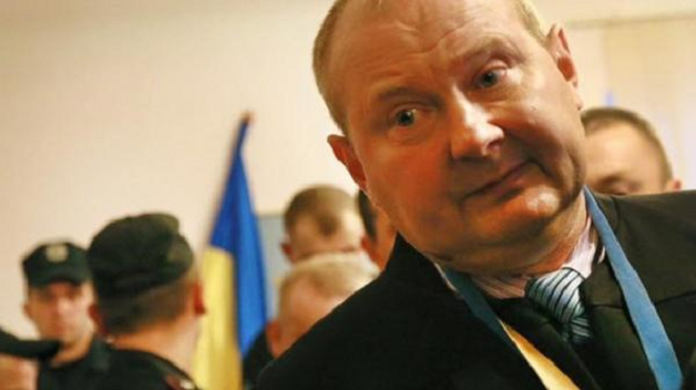 Беглый взяточник Чаус просит в Молдове убежища