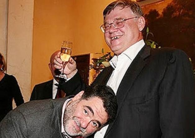Однополые олигархи Абрамов и Фролов
