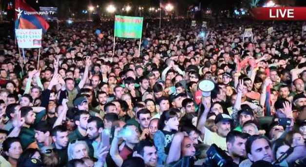 Провал голосования за Пашиняна: в Армении объявлена тотальная забастовка, блокируются все пути
