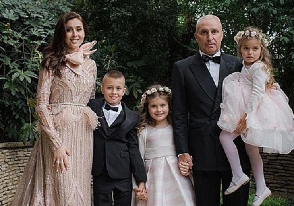 Ярославский устроил свадьбу в Лондоне