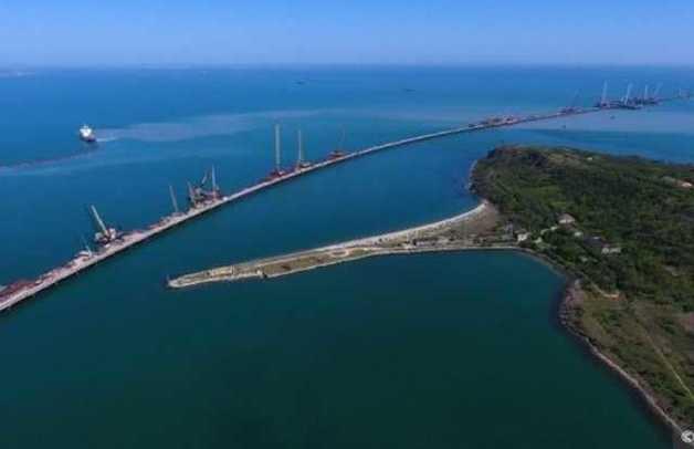 Оккупанты перенесли сроки сдачи Крымского моста