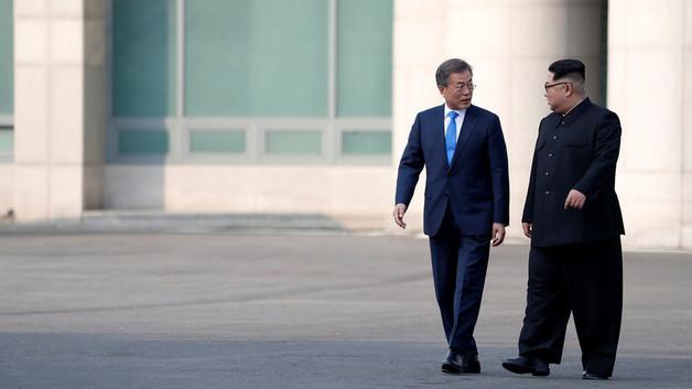 СМИ выяснили секрет ботинок Ким Чен Ына