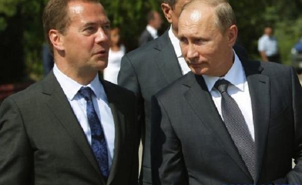 Путин оставил Медведева на посту премьер-министра