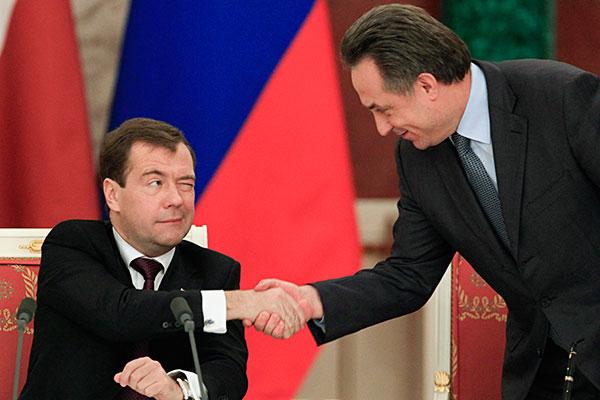Депутаты объяснили смех над предложением Медведева назначить Мутко куратором строительной отрасли