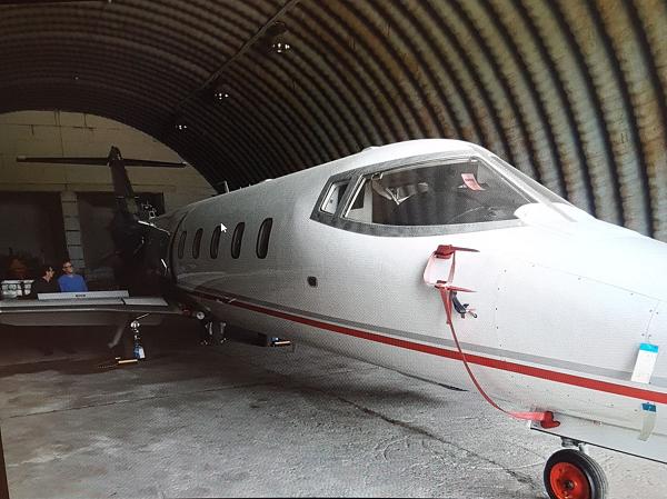 В ангаре тукумсского аэропорта хранится реактивный самолет компании-пустышки