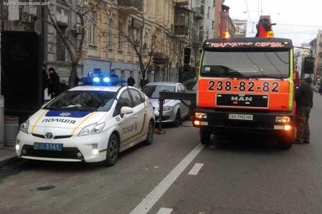 Эвакуация авто: сколько денег готовить, если машину забрали на штрафплощадку