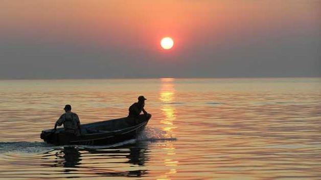 Российские пограничники вновь незаконно задержали украинских рыбаков