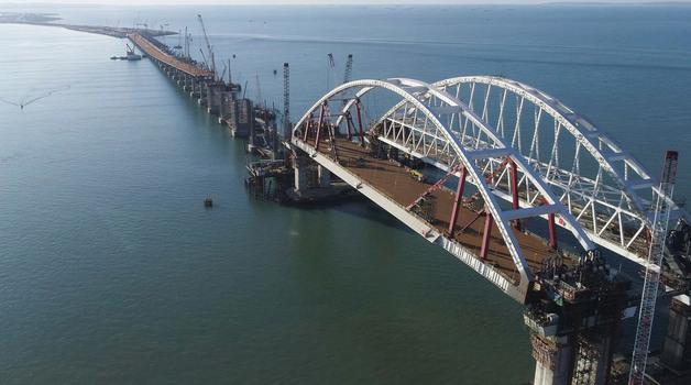 Керченский мост в опасности. Ученый рассказал подробности