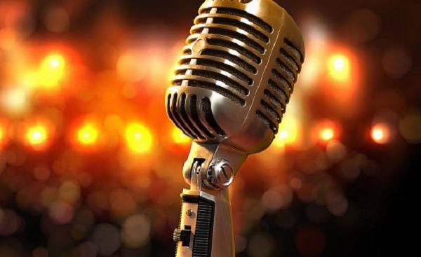 Известный певец обматерил людей во время интервью
