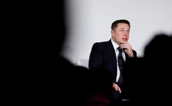 Илон Маск готовит двухмоторную Tesla