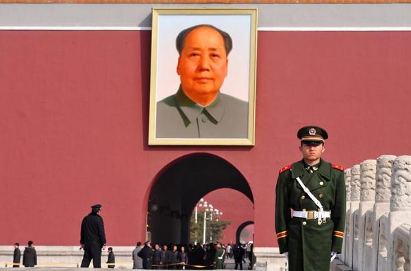 Между Ли Куан Ю и Пол Потом: когда диктаторы приводят страны к экономическому процветанию