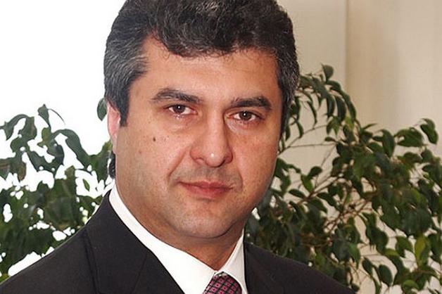 Руководители ИСД ведут бизнес по обе стороны фронта