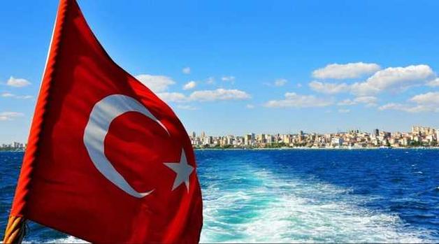 Турция решила избавиться от бедных туристов