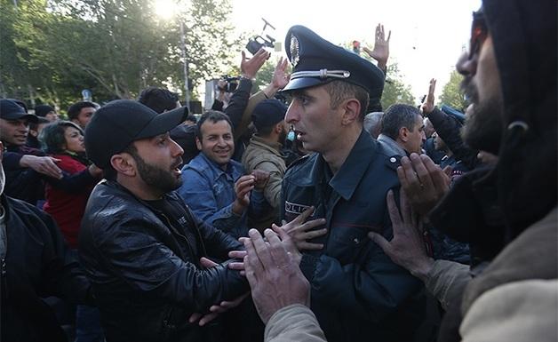 Пашинян назвал саботажем акции протеста в Армении