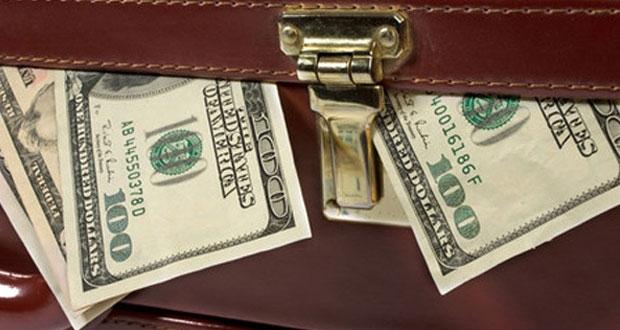Бизнес массово выводит валюту из России — росСМИ
