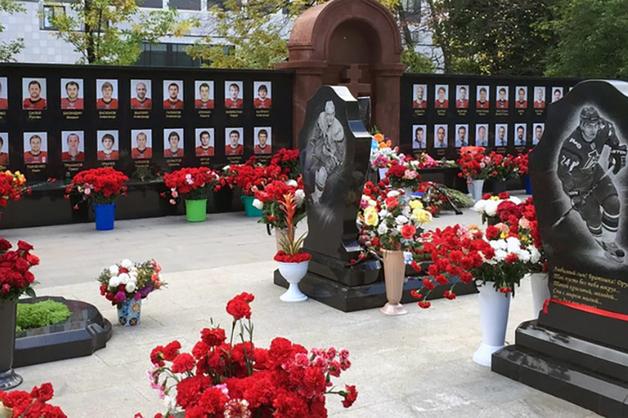 В Ярославле осквернили могилы игроков «Локомотива»