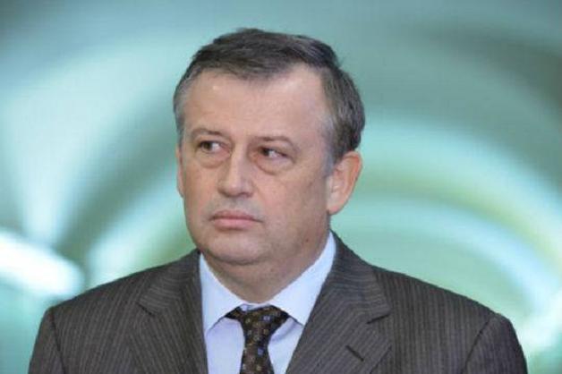 Что помогает оставаться на своем посту проворовавшемуся губернатору Ленинградской области Александру Дрозденко