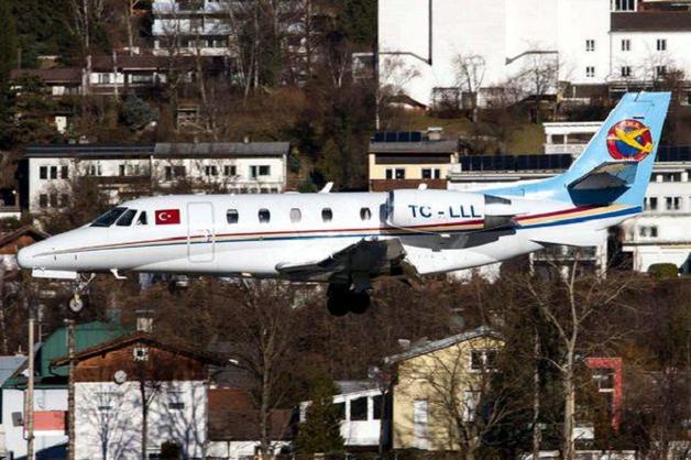 Шайка Януковича бежала из Украины на самолетах Порошенко?