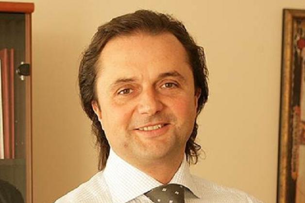Отельер Гусаков получил кредит под арендованные табуретки